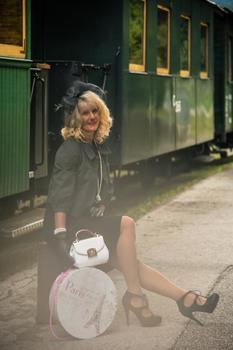 Martina am Bahnhof