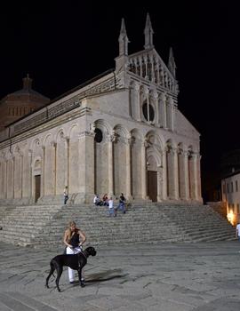 Die Frontfassade von der Cattedrale di San Cerbone (Massa Marittima)
