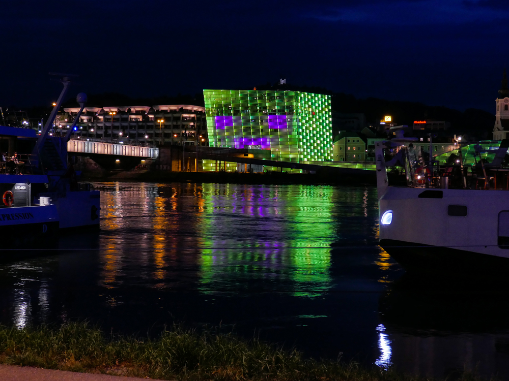 ars electronica bei Nacht