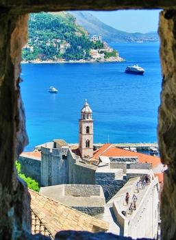 Auf der Stadtmauer von Dubrovnik...