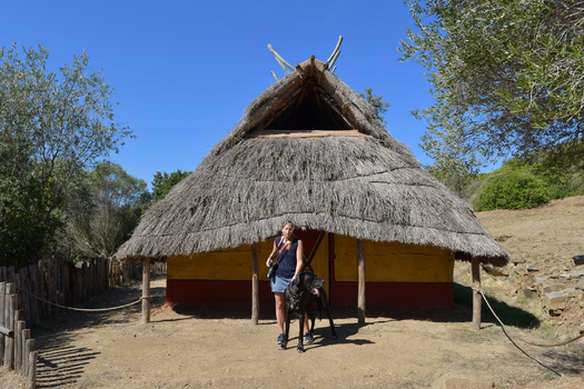 Römische Hütte (Nachbau, Populonia)