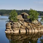 Felsen im Stausee Ottenstein im   Waldviertel