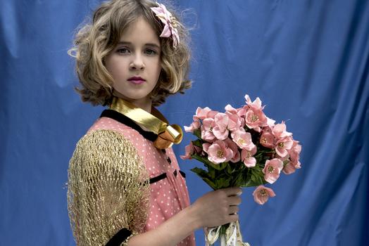 Emma mit rosa Kleid