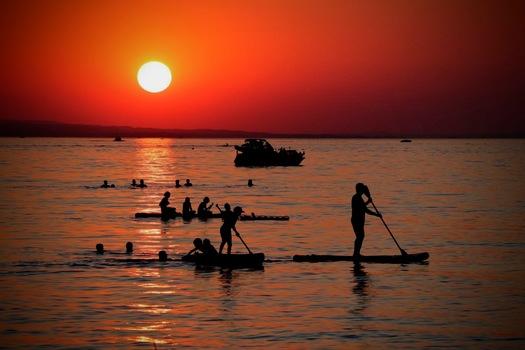 So muss ein Sommerabend am See sein!