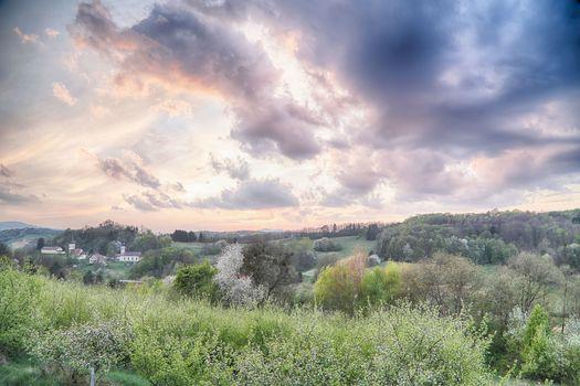 Frühling über dem Neuhauser Hügelland