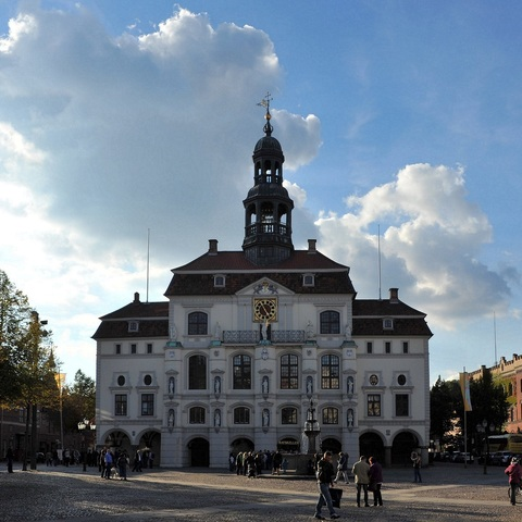 Lüneburger Rathaus am späten Nachmittag