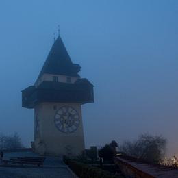 Grazer Uhrturm frühmorgens