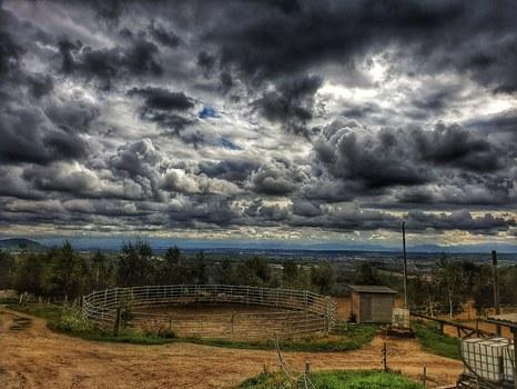 Dunkle Wolken.....