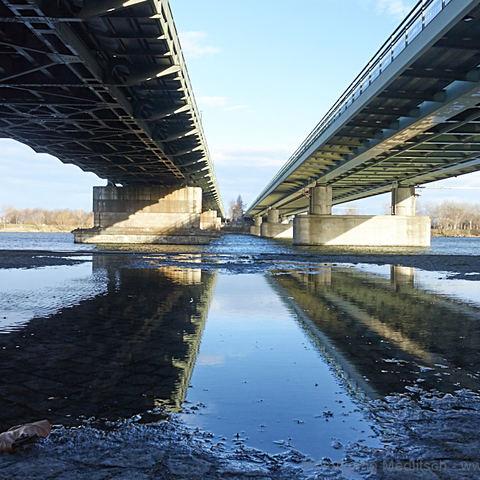 Nord- und U6-Brücke nebeneinander