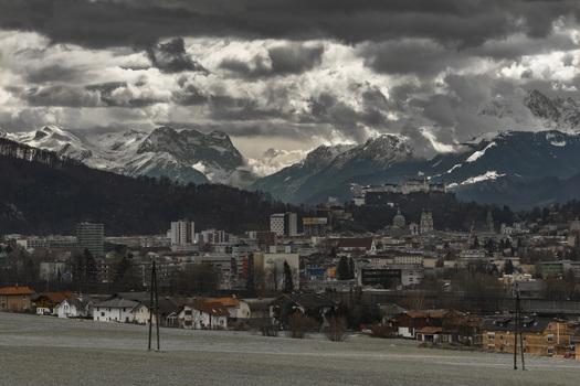Wolken über der Stadt Salzburg