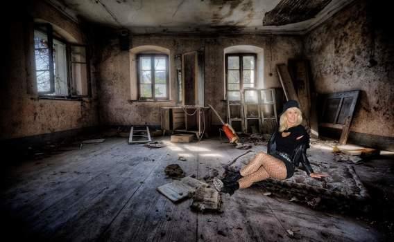 Im alten Abbruchshaus