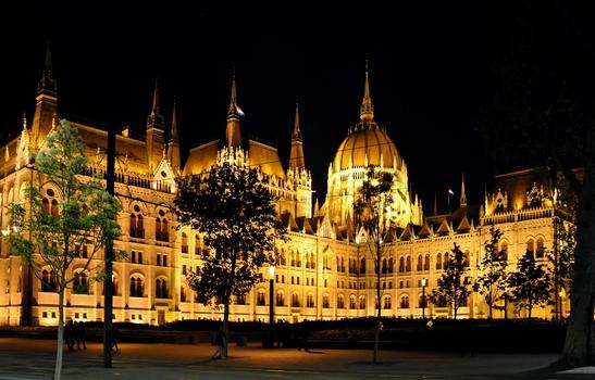 Parlamentsgebäude - Budapest bei Nacht (5)