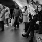 Erwartungsfroh, dans le métro...