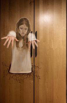 Das Gespenst aus dem Kleiderschrank