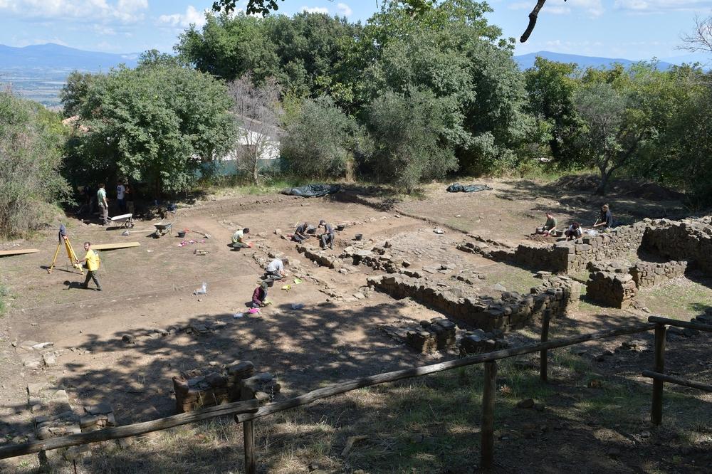Archeologen bei der Arbeit (Vetulonia, Etruskerausgrabungen)