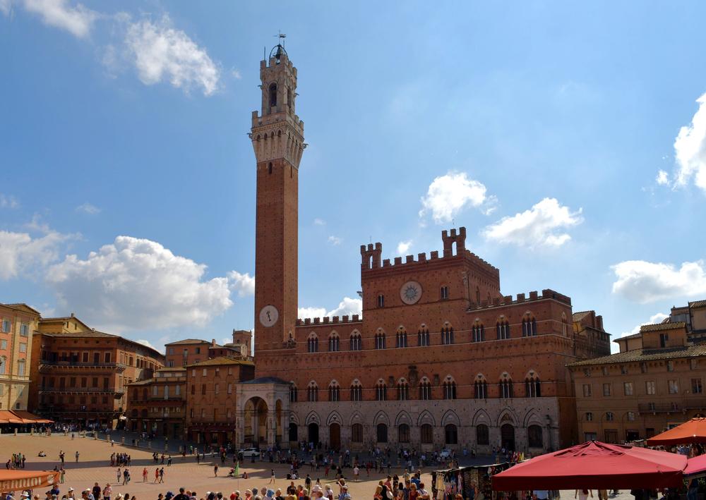 Palazzo Pubblico mit Piazza del Campo (Siena)