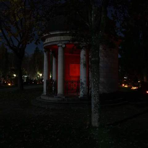 Friedhof bei Nacht Bild 2