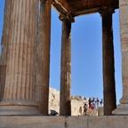 Erechtheion / Akropolis / Athen (2 - zum Größenvergleich mit Menschen)