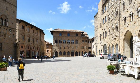 Piazza dei Priori - Volterra