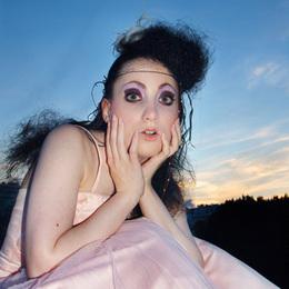 Eva Marie.....ein buchbares Model!