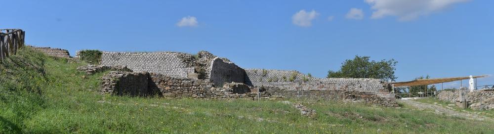 Wunderschöne Mauern der Römer (Roselle)