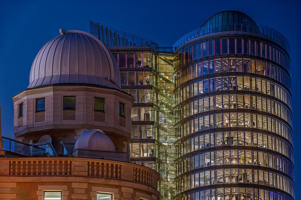 Urania-Sternwarte und UNIQA-Tower