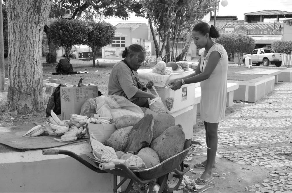 STASSENVERKÄUFERIN IN CONDE - BAHIA - BRASILIEN
