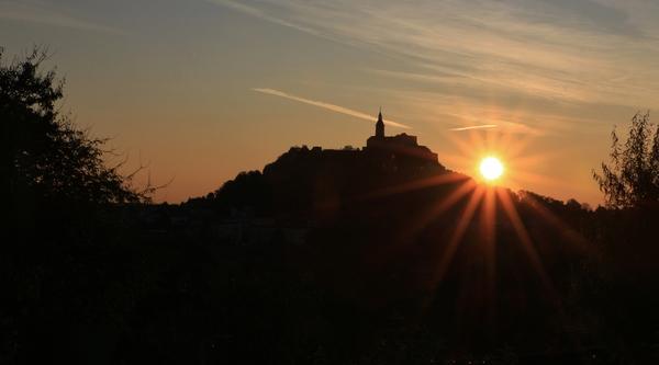 Sonnenaufgang bei der Burg Güssing