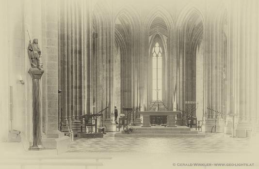 gotische Linien mit Beobachter