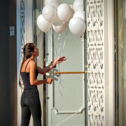 Das Mädchen mit den Luftballons