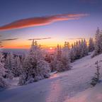 Sonnenaufgang beim alten Almhaus