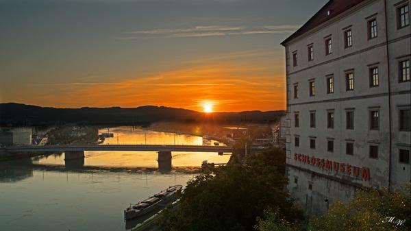 Sonnenaufgang Schloss Museum Linz