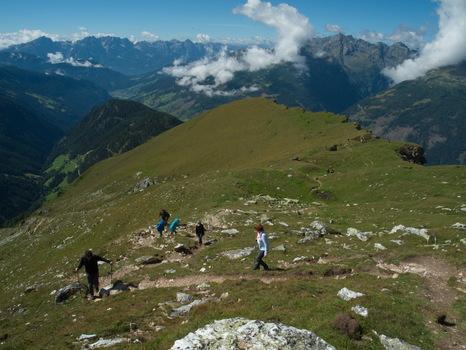 Abstieg vom Mohar 2400 m