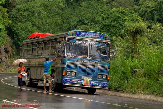 Bus in Sri Lanka auf der Tour