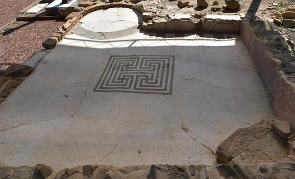 Römisches Bodenmosaik in Populonia
