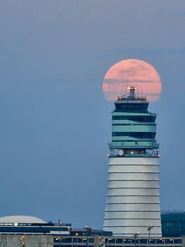 Wien Tower, Grüss Gott....