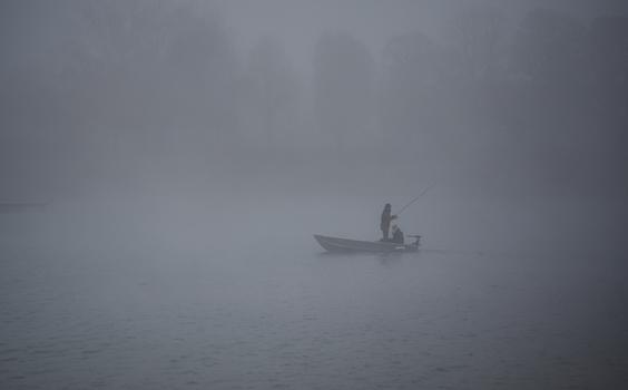 Fischen im Nebel