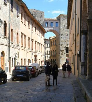 Via Roma - Volterra