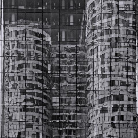 Paris, La Défense, Reflexionen