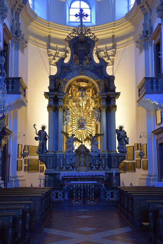 Indireckte Beleuchtung (Hochaltar Maria Kirchental)