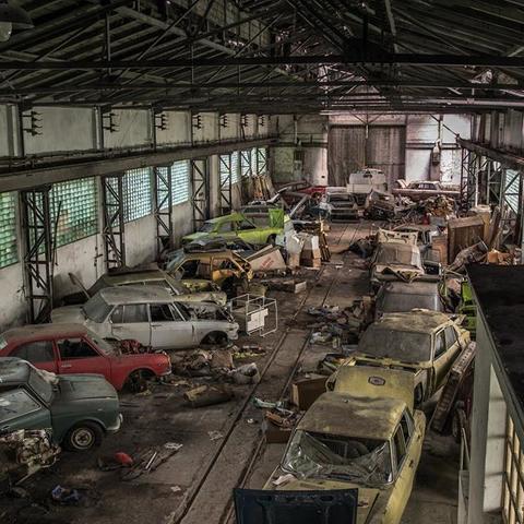 Old Canin Garage