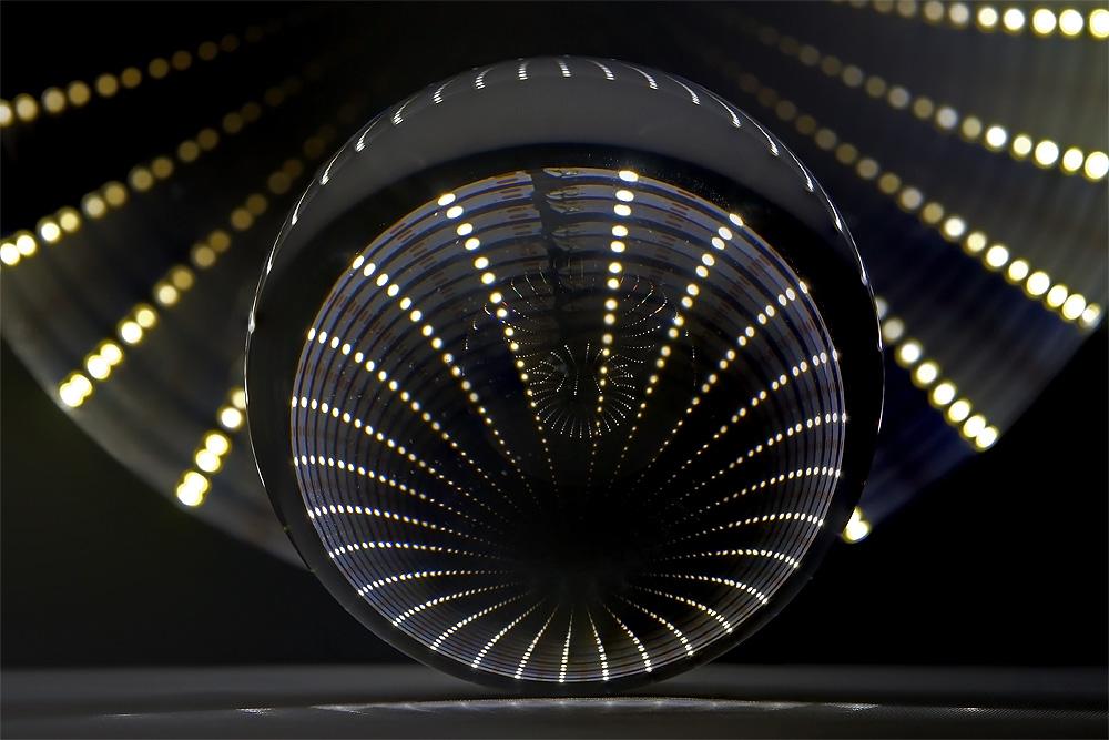 Lensball meets LED-Lights