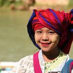Mädchen vom Stamm der Paos
