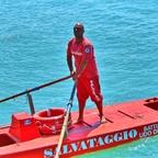 1. Mai - offizieller Beginn der italienischen Badesaison... ;-)  (Scialuppa di salvataggio)