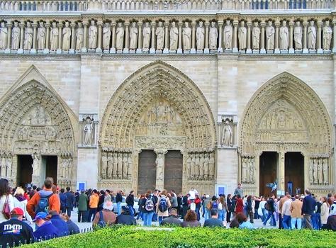 (...vor) Notre-Dame de Paris -