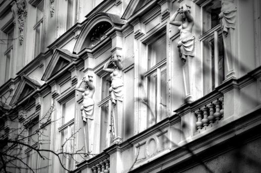 Karyatiden in 1090 Wien, Nußdorferstraße