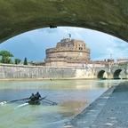 Engelsburg mit Engelsbrücke / Rom (2 Color)